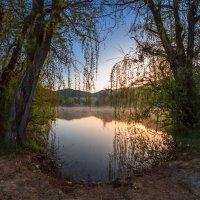 УТРО на горном озере :: Sergey Bagach