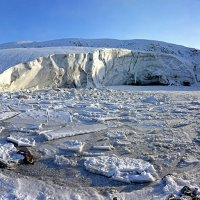 Ледник на озере :: Сергей Карцев