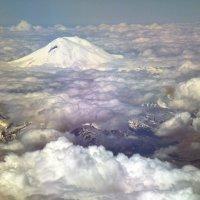 .. Ведь Эльбрус из самолёта видно здорово.... /В.Высоцкий/ :: Alexey YakovLev