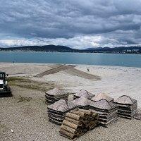 Подготовка к пляжному сезону :: Валерий Дворников