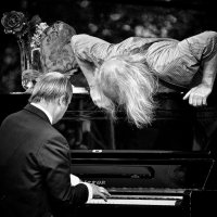 """""""Маэстро ! Ты не ту клавишу нажал... У меня все ходы записаны."""" :: Konstantin Berliner"""
