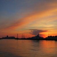 Вечер в порту :: valeriy khlopunov