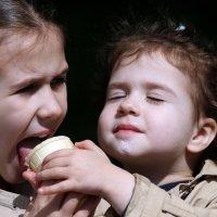 Праздник Мороженого в Сокольниках :: Михаил Бибичков