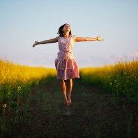 Девушка в поле :: Сергей Морозов