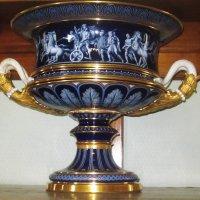 Крым. Ливадийский дворец. Синяя ваза :: татьяна
