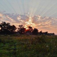 Рассвет над Красной Слободой :: Валентина Пирогова