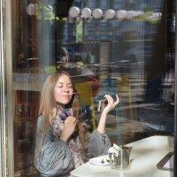 То ли девочка, а то ли виденье... :: Татьяна Помогалова