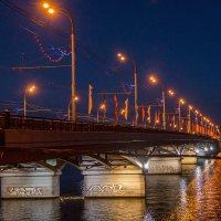 Вечерний город :: Лариса