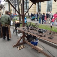 Изделия кузнеца на улице мастеров. :: Виктор Егорович