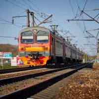 Электропоезд ЭД9М-1052 :: Владимир Кознов