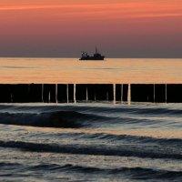 Корабли уходят на закат. :: Юрий. Шмаков