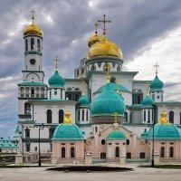 Воскресенский собор и подземная церковь Константина и Елены. :: Юрий Шувалов