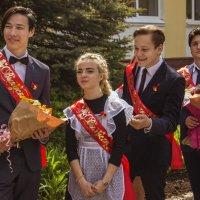 Когда уйдем со школьного двора... :: Альмира Юсупова