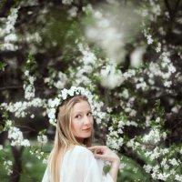 В цветущем саду :: Наталья Мелешкова