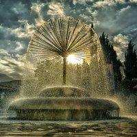 Загадочная красота падающей воды... :: Александр Бойко