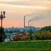 Вечерне-индустриальный пейзаж :: Сергей Тарабара