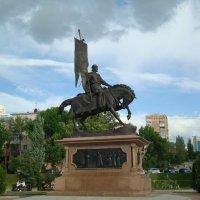 Памятник основателю города Самара князю Григорию Засекину :: марина ковшова