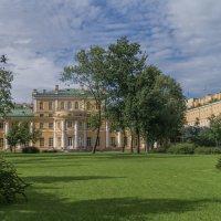 Дворец Державина. :: Сергей Исаенко