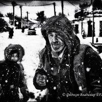 В снегопад на улице :: Владимир Дядьков