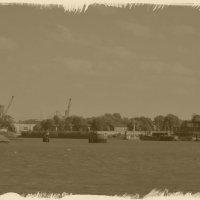 Порт заправки кораблей в ретро :: Nina Yudicheva