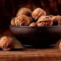 натюрморт с орешками :: vlad alferow