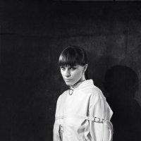Портрет девушки в смирительной рубашке :: Василий Сыромля
