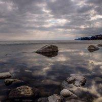 Хмурый апрельский Байкал. :: Rafael