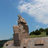 """Памятник """"Морякам революции"""" :: Людмила Монахова"""
