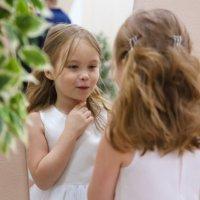 Дочка невесты. :: Юлия Завьялова