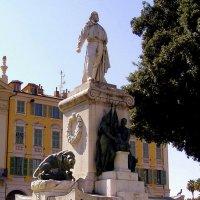 В Ницце памятник Гарибальди :: Лара Амелина