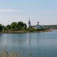 Ворсма. Монастырь на острове. :: Игорь Сорокин