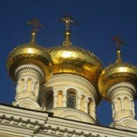 купола церкви Александра Невского в Ялте :: Елена