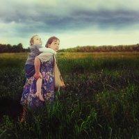 Дети бегут от грозы :: Евгения Вереина