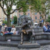 Памятник Шарлю Бюльсу. Брюссель :: Владимир Леликов