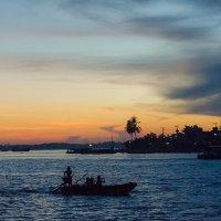 Рассвет на Меконге :: Олег