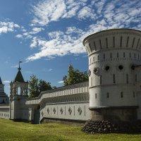 северная стена Николо-Угрешского монастыря :: Владимир Иванов