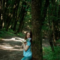 в лесу :: Александра Домнина