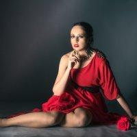 Девушка с розой :: Владимир Саблин