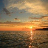 Небо перед закатом :: valeriy khlopunov