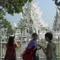 2017. Таиланд. Чианграй. Белый храм (1) :: Владимир Шибинский