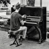 Когда все ноты в памяти.....телефона :: Cлава Украине