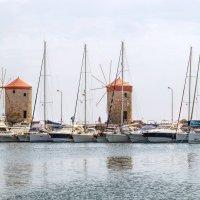 Мандраки - древний порт о.Родос.. :: Надежда