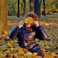 Девушка Осень... :: Sergey Gordoff