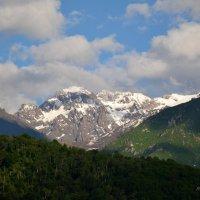 Шапка снежная надета  на горе зимой и летом. :: Anna Gornostayeva