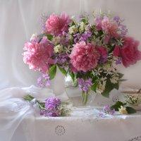 Розовые пионы для Леры... :: Валентина Колова