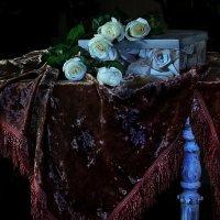 И белые розы.... :: Валерия  Полещикова