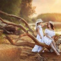 Две сестрёнки, и их верный друг :: Юлия