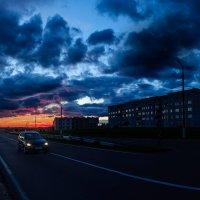 Такое над трассой  небо в июле :: Анатолий Клепешнёв