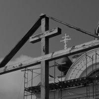 ЗАКЛАДНОЙ КРЕСТ  СВЯТОНИКОЛЬСКОГО ХРАМА :: ВАДИМ СКОРОБОГАТОВ