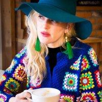 Утро с чашкой кофе :: Алиса Павлова